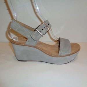 Clarks Size 9.5 M AISLEY ORCHID Sage New Sandals